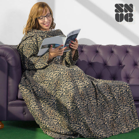 Image of Big Tribe Snug Snug Blanket with Sleeves-Universal Store London™