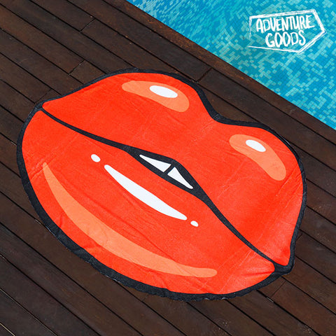 Adventure Goods Kiss Beach Towel-Universal Store London™