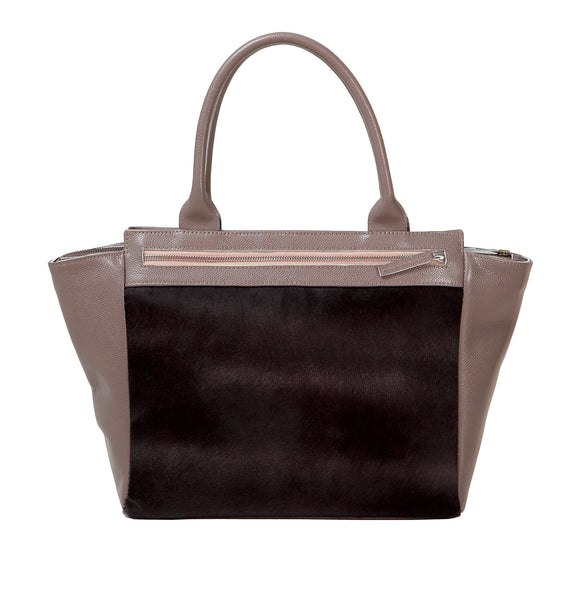 Classic style leather handbag with large zipped pocket