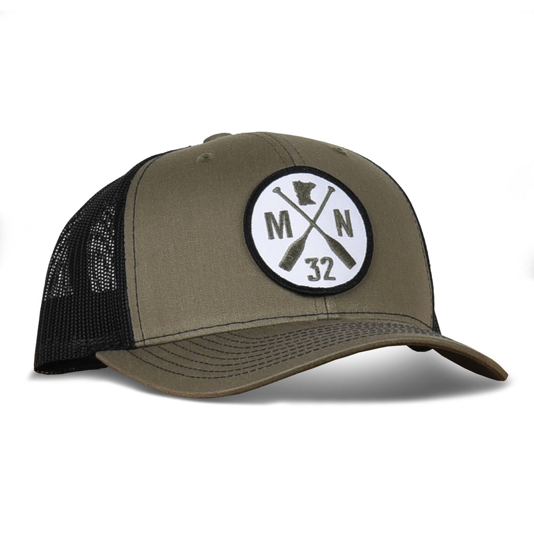 Minnesota Patch hat with paddles, green