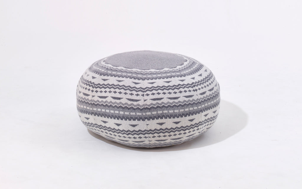 Frank pouffe in Stitch