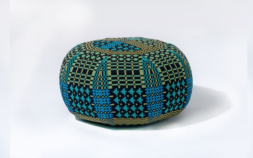 Frank pouffe in Field Day