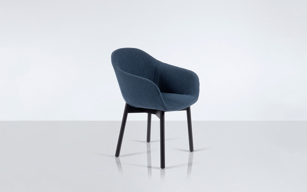 Quiet armchair