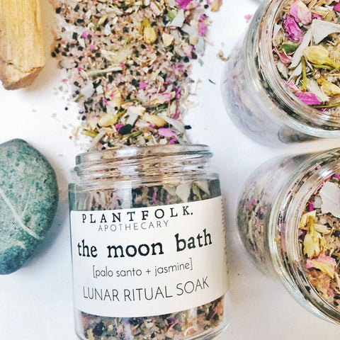 THE MOON BATH<br>LUNAR RITUAL SOAK<br>[ palo santo + jasmine ]