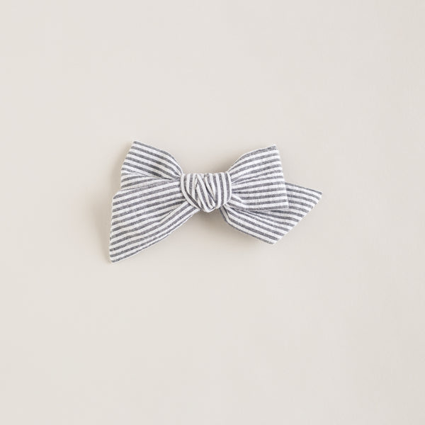 oversized bow | bw stripe
