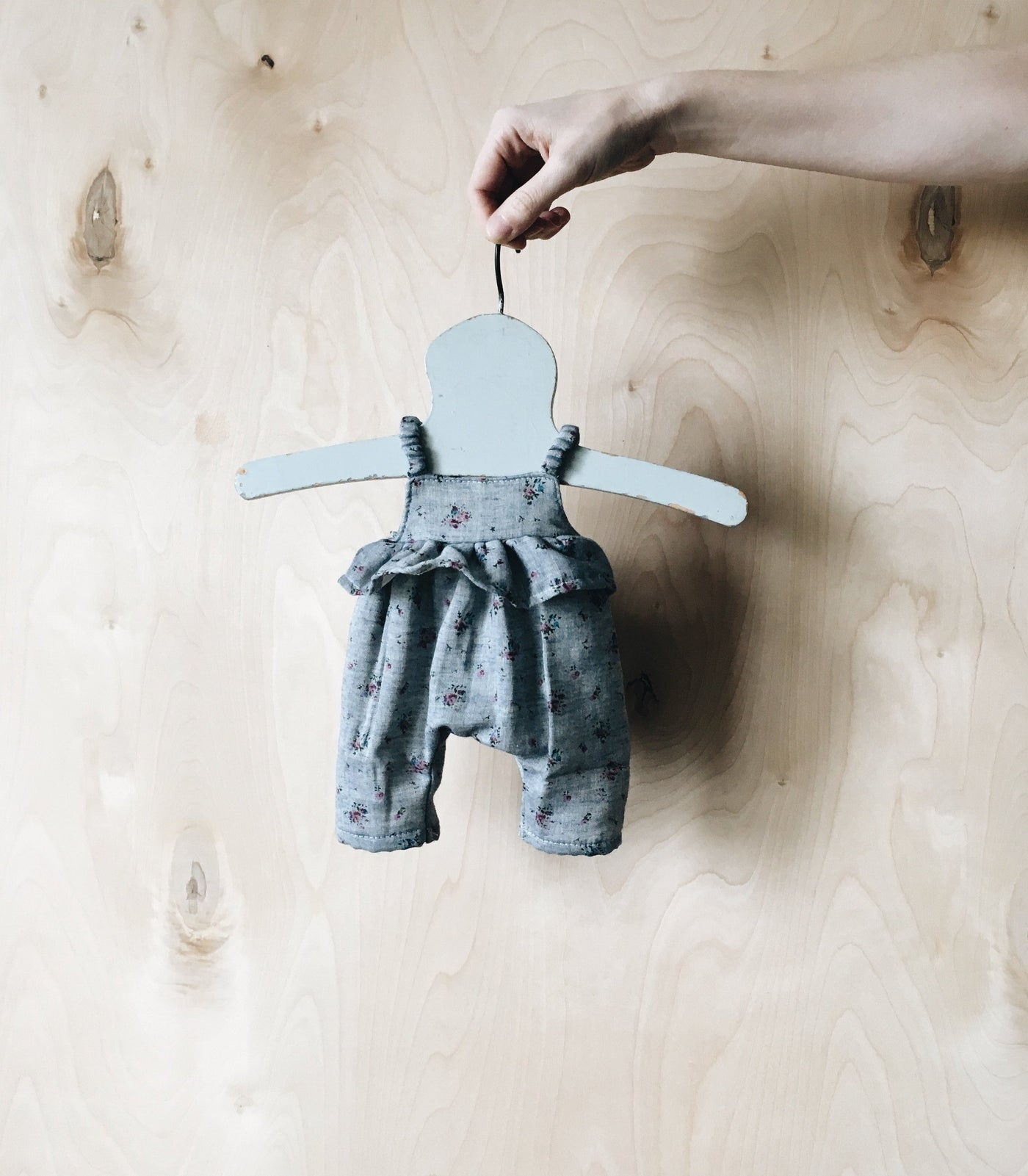 doll | ruffle jumpsuit | chambray floral