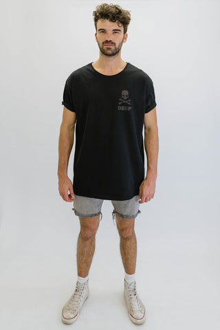 DEEP CROSSBONES Oversize T-Shirt in Black with Black Print
