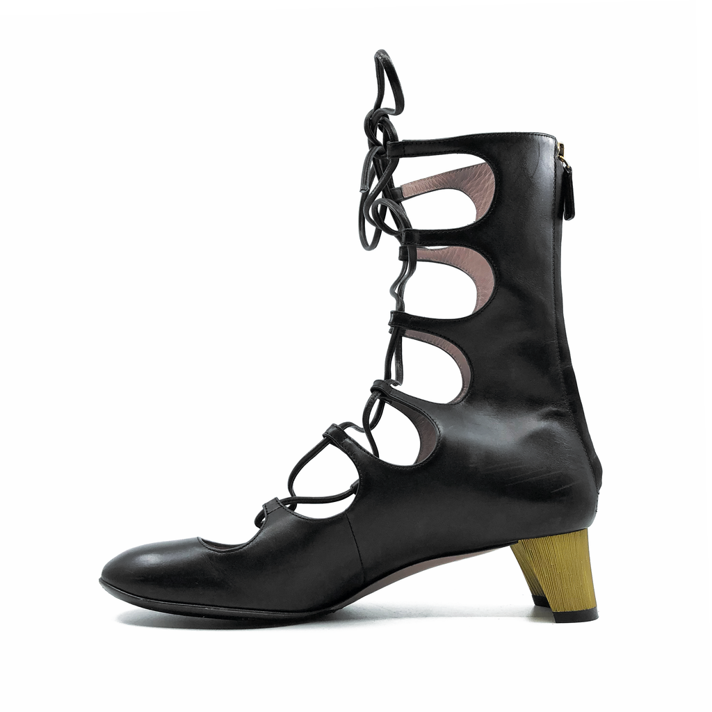 2084702419c Gucci Black Lace Up Boots Size 7 – ConsignToronto