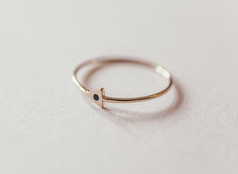 MOCIUN 14K TRIANGLE RING