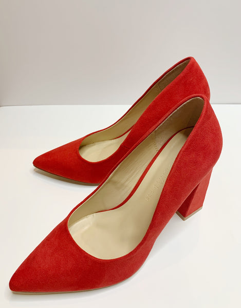 Red Hot Heels - Lika Love