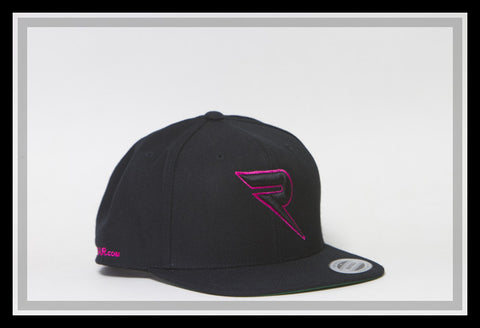 Renic Snap Back black with pink and black 3D logo