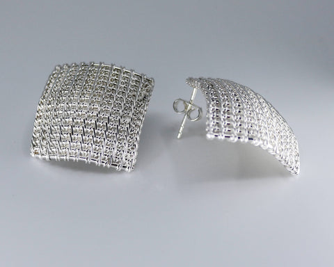 Dignity earrings, hand woven in sterling silver  20 x 20 mm