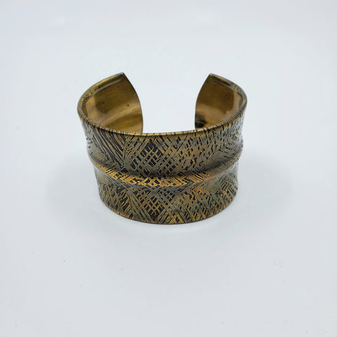 Palm cuff in brass by Andrew Goss for La Pai gallery