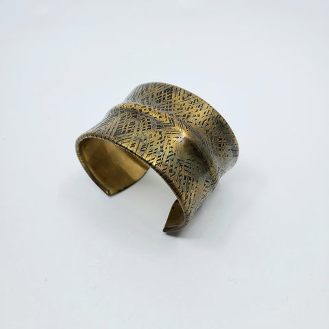 Large brass cuff for La Pai gallery