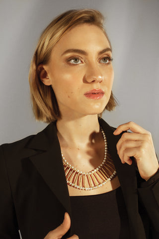 Power pearls. Twyla neckpiece in pewter and pearl.