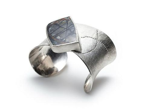 Cuff bracelet in sterling silver with jasper stone by Gustavo Estrada.