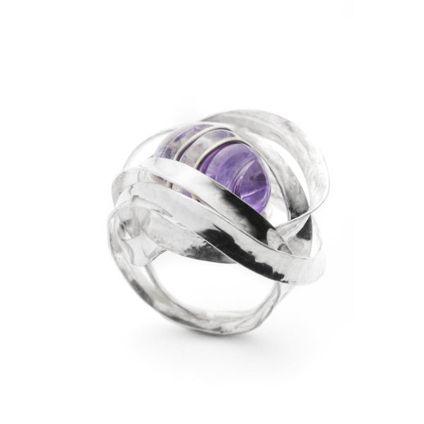 Amethyst ring by Gustavo Estrada