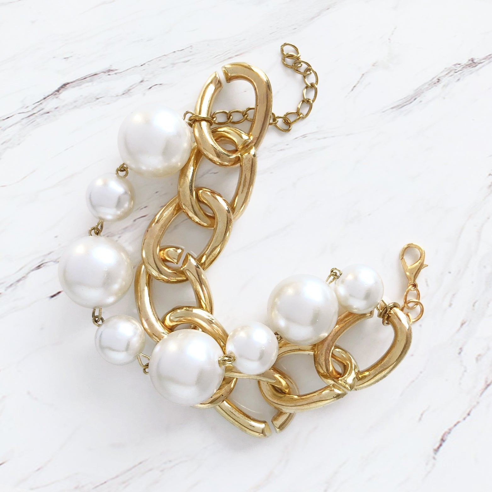 Bold Chain & Pearls Bracelet