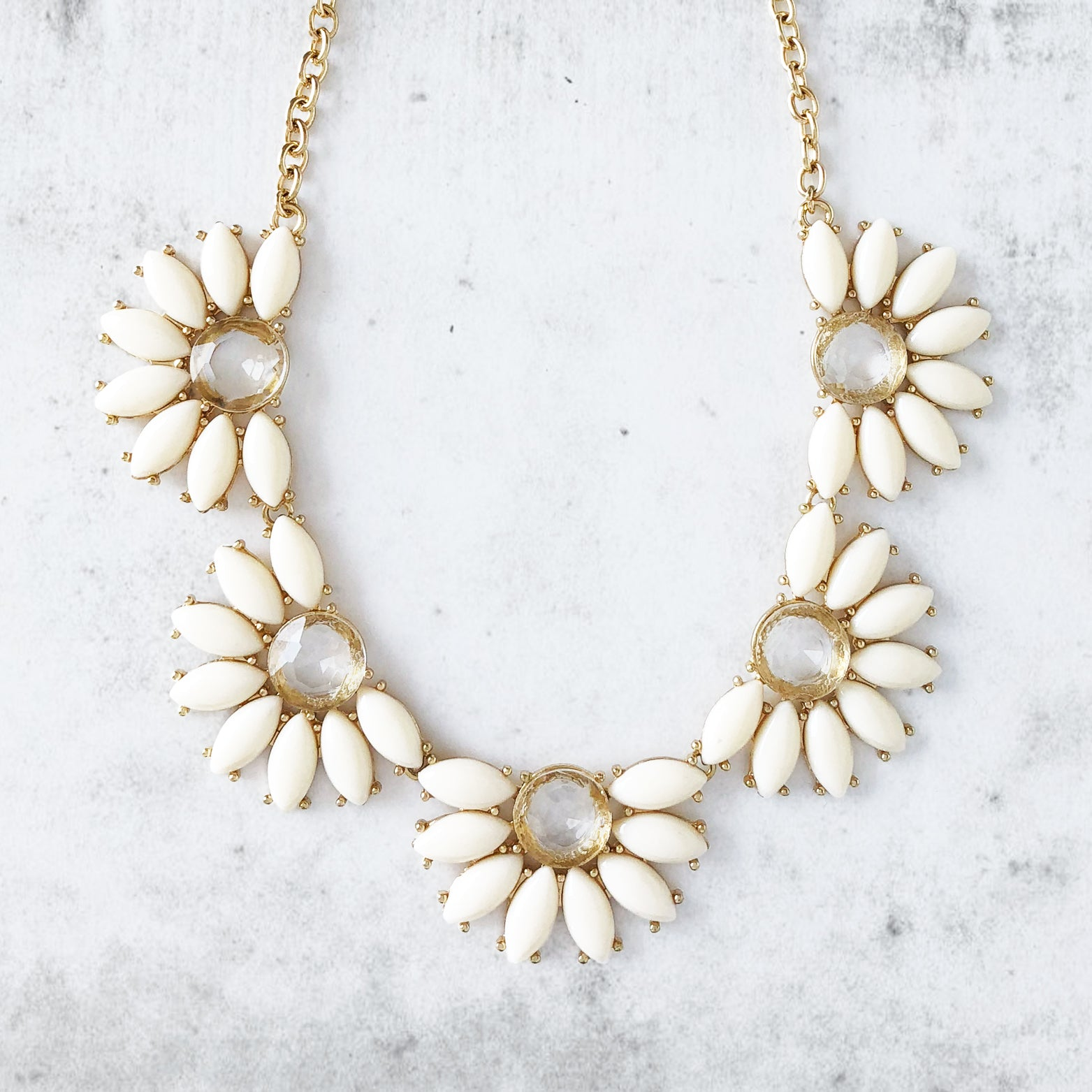 Daisy Jewel Link Necklace - Love, Kuza