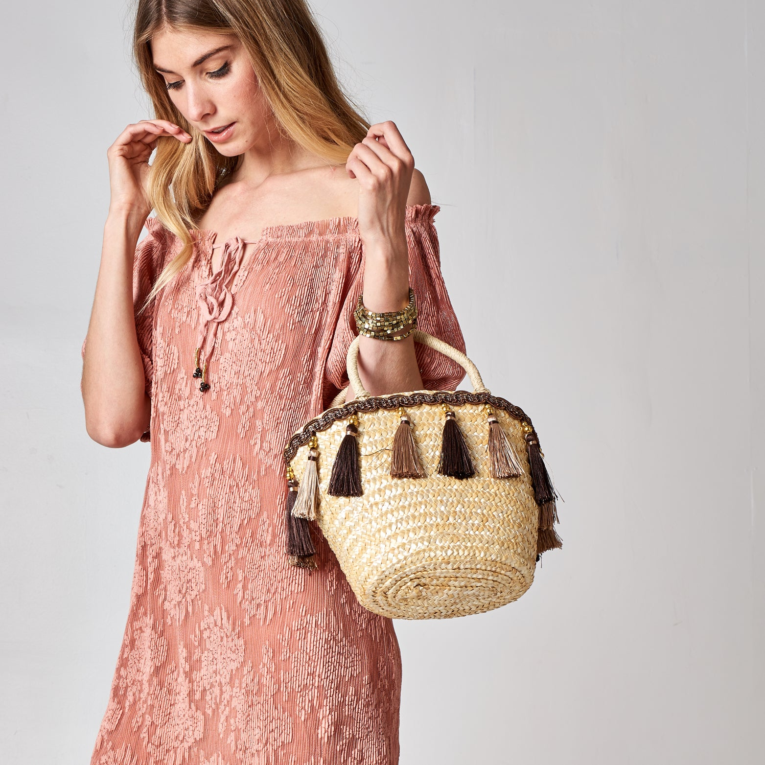 Tassel Straw Bucket