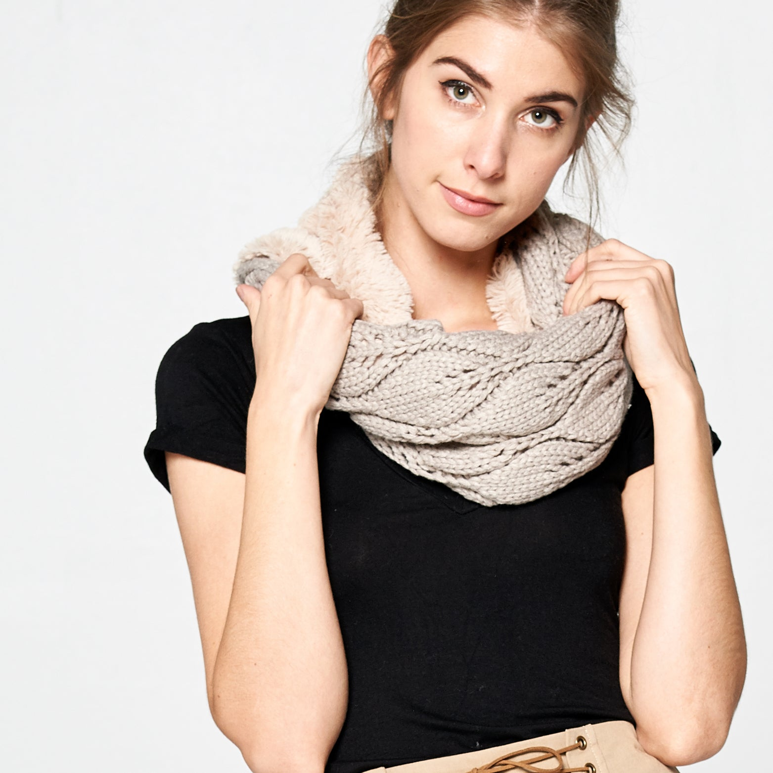 Chunky Cable Knit Infinity Scarf