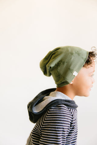 slouch beanie in 'trees' on olive