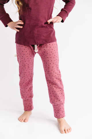 gusset pants in 'dots' on sangria