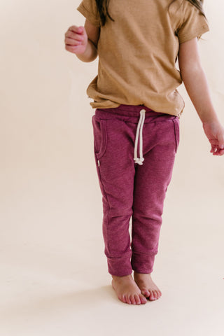 jogger in 'sangria'