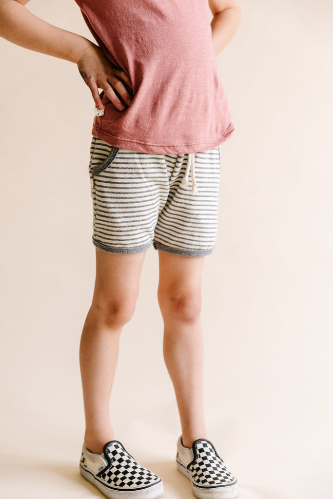 french terry retro short - narrow gray stripe