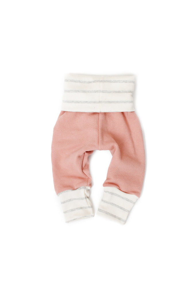 Skinny sweats in 'clay pink' w/ ski patch