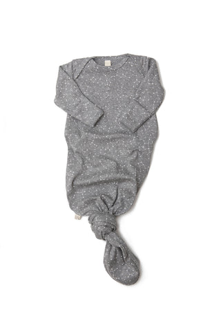 ribbed knotted sleeper in 'constellations' on dark gray