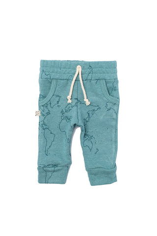 jogger in 'maps' on oil blue