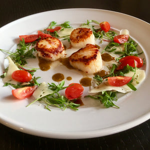 Gindo's Hot Sauce Recipe Pan Seared Scallops Arugula Shaved Parmesan Cherry Tomatoes