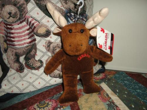 CANADA Souvenir MOOSE Velvet Plush New with tags