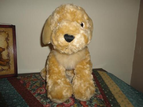 Toys R Us Animal Alley Large Golden Retriever Dog Plush