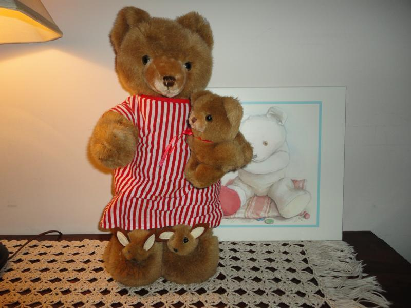 SCHMID Gordon Fraser Musical Bear w Bunny Slippers & Baby 1984 Vintage 16 inch