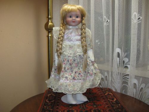 Alberon Dolls The Classique Collection Vintage Porcelain Doll ROS L5787
