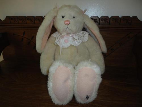 Ganz Cottage Collectibles Sad Bunny Rabbit 1996 Artist Mary Holstad 17 inch RARE