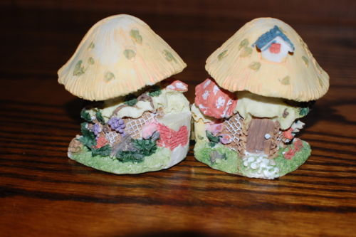 2 Mice in a Gnome Mushroom House Hinged to Open Hand Painted Figurine
