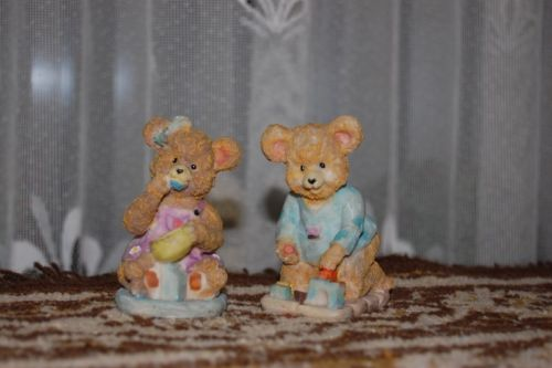 Girl Bear Eating Honey From Bowl & Boy Bear Building Castle Lot of 2 Figurines
