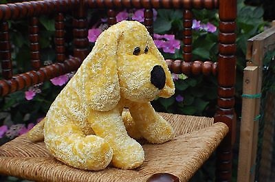 BSV Volendam Netherlands Yellow Plush Dog Sitting 10 Inch Baby Safe Brand New