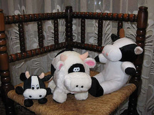 Various Lot of 3 Dutch UK Cows Laying Sitting Standing