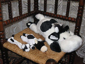Various Dutch lot of 3 Cows Plush 2 laying + 1 Watch