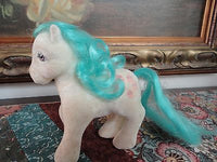 Vintage My Little Pony Fuzzy Felt Horse Cupcakes on Rear w Teal Blue Mane 5 in