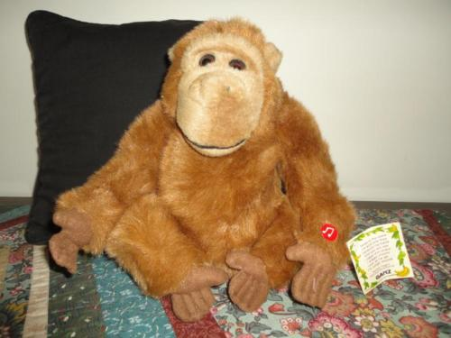 Ganz TANGO ORANGUTAN APE MONKEY Animated Talking Battery Operated