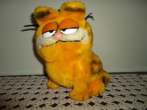 Dakin Vintage 1981 Garfield Cat Plush Ground Nutshells 9 inches