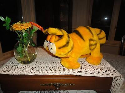 GARFIELD Stuffed Cat RARE Walking Pounce Position 7 inch tall x 14 inch long