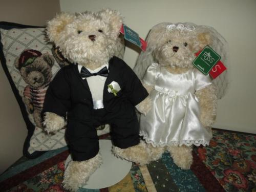 Russ Bride & Groom WEDDING BEAR SET WHITE LACE & PROMISES Retired