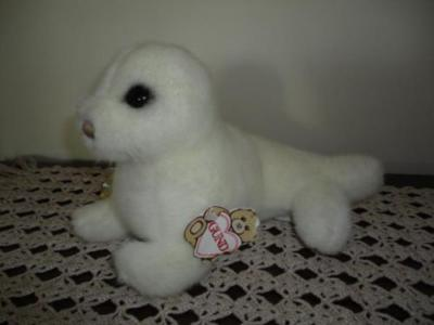 Gund 1986 Vintage PHINEAS SEAL with Tags