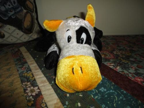 Ganz Toronto Canada Velvet Cow Stuffed Fair Toy